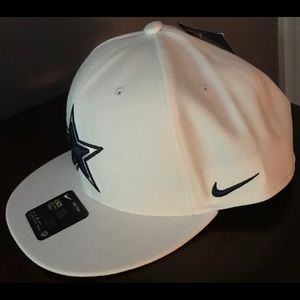25fb32ddf Nike Accessories - Nike Dallas Cowboys Adjustable Hat